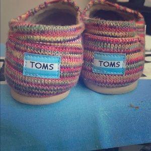 TOMS NWT Classics Multi Knit Women's Size 8
